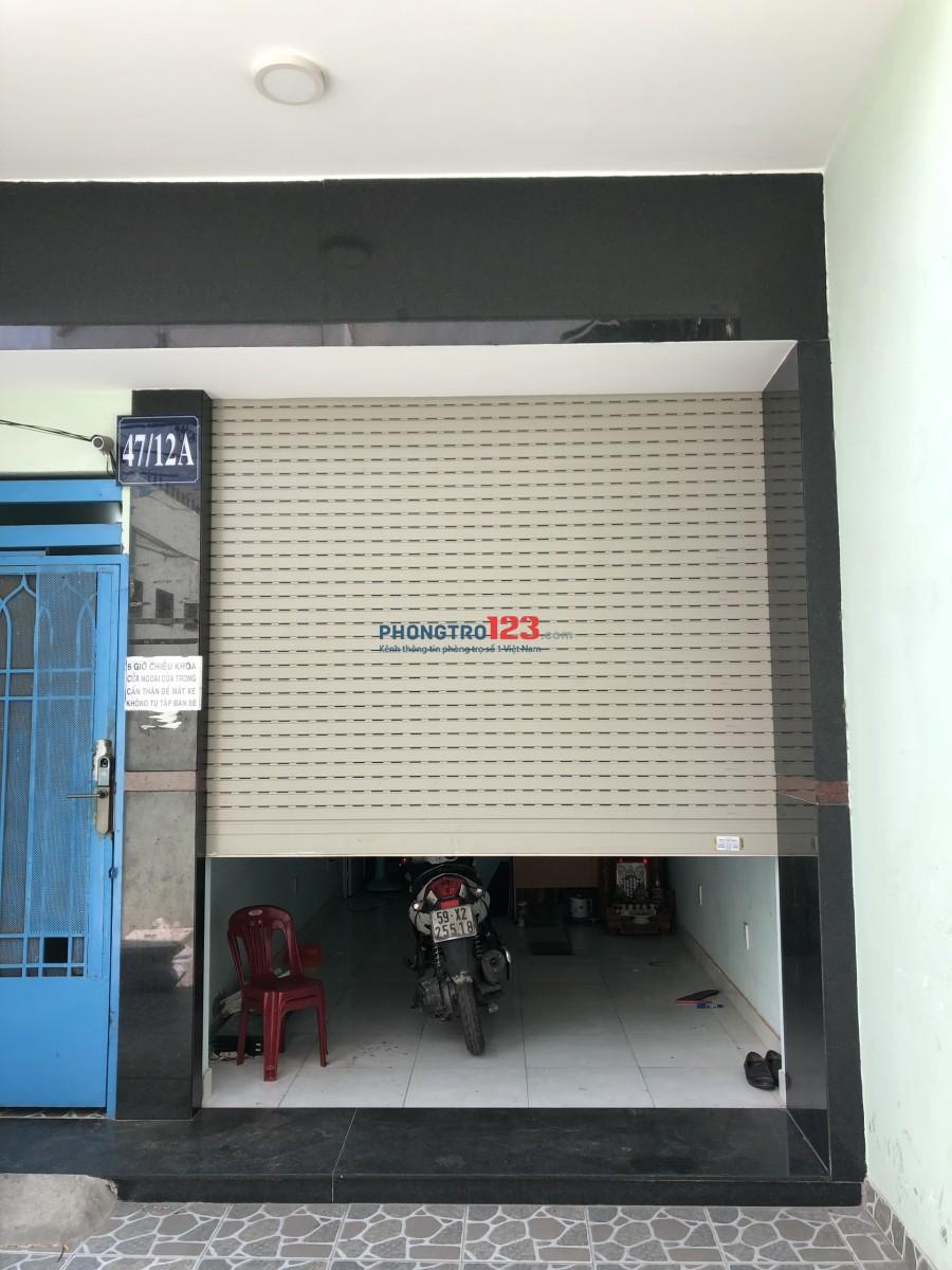 Cho thuê mặt bằng giá rẻ, đường Hòa Bình, quận Tân Phú
