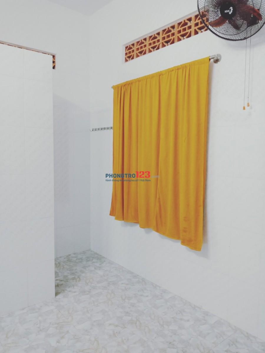 Cho thuê phòng an ninh sạch sẽ có máy lạnh hẻm xe hơi tại Phạm Văn Hai, Q.Tân Bình, giá 2,8tr