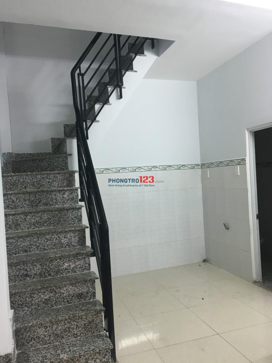 Nhà mới xây, chính chủ, hợp đồng lâu dài, 1 lầu đúc, diện tích 4.5x 12, 3 phòng ngủ