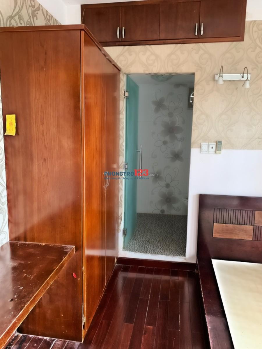 Cho thuê phòng có nội thất trong chung cư Ngô Gia Tự, Q.10, giá 5tr/tháng. LH Mr Vũ 0389048776