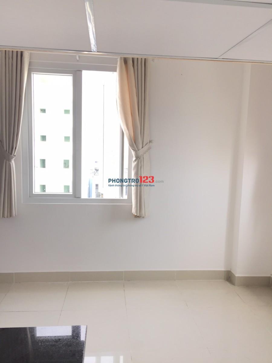 Cho thuê phòng trọ, dạng căn hộ mini, có gác rộng, cửa sổ thoáng mát, gần trường ĐH Nguyễn Tất Thành 5p