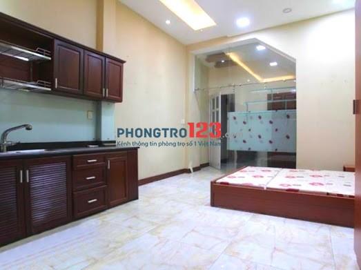 Phòng siêu rộng, rẻ, bếp lớn ngay ngã tư Hàng Xanh quận Bình Thạnh