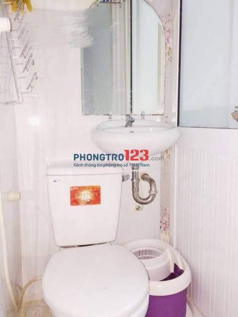 Cho thuê nhà nguyên căn 2 lầu Full nội thất gần Phố Bùi Viện Q1 giá 9tr/tháng LH Ms Hà