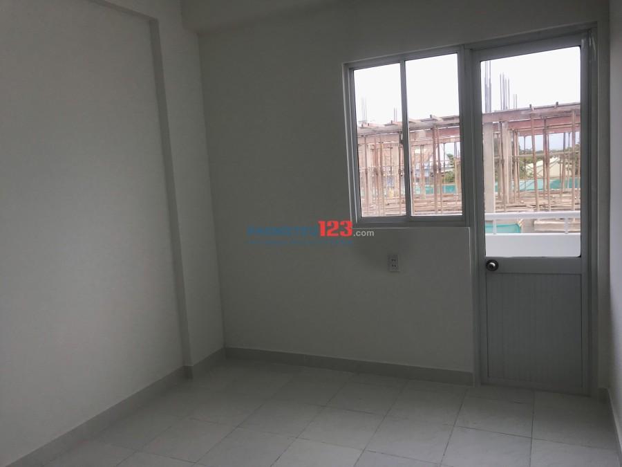 Cho thuê căn hộ mới 100% 1pn mặt tiền Võ Văn Kiệt, Q.Bình Tân. Giá 4,3tr/tháng, LH Ms Kim