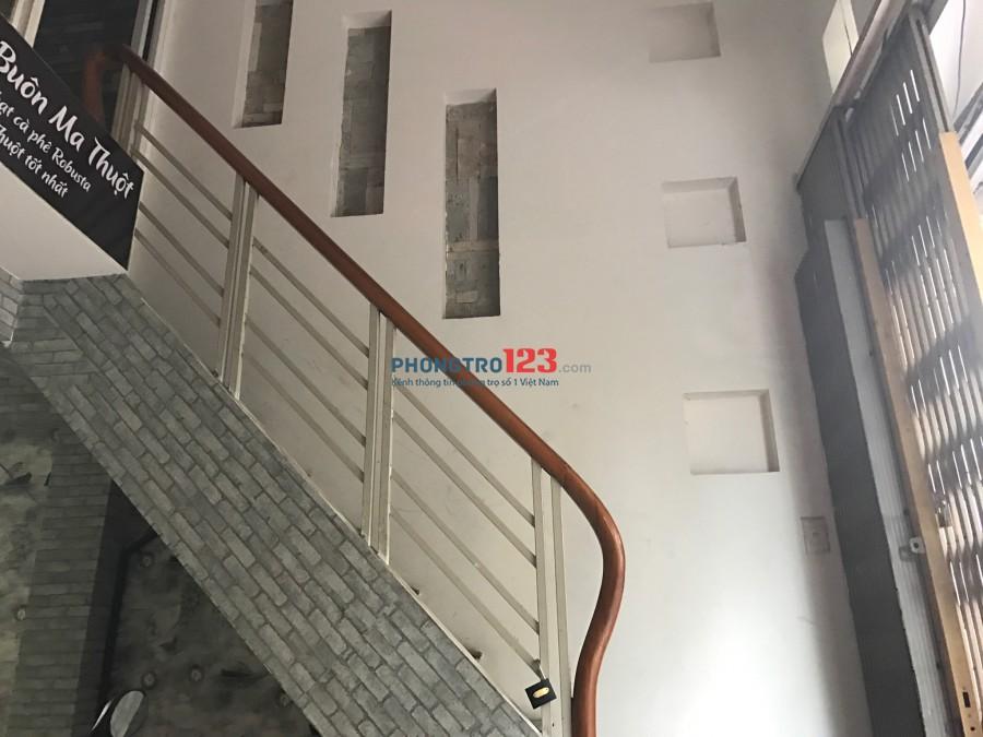 Cho thuê nhà mặt tiền nguyên căn 2 lầu 4x16m đường Bàu Cát 1, Q.Tân Bình. LH Ms Thuần