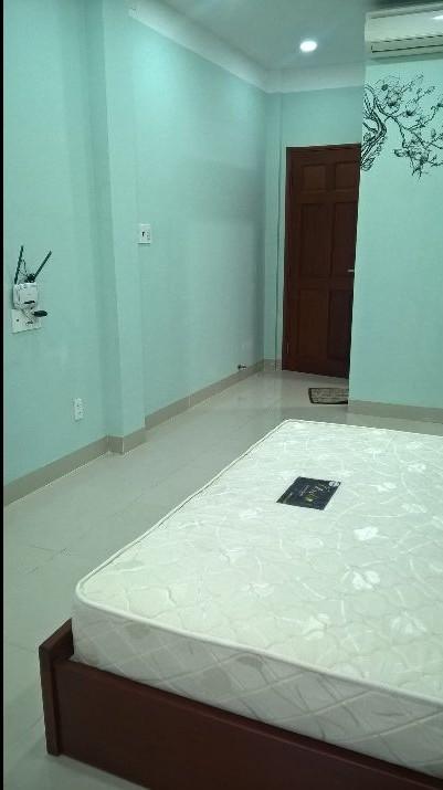 Cho thuê phòng khu trung tâm, an ninh, 30m2, 332 CMT8, Q.3
