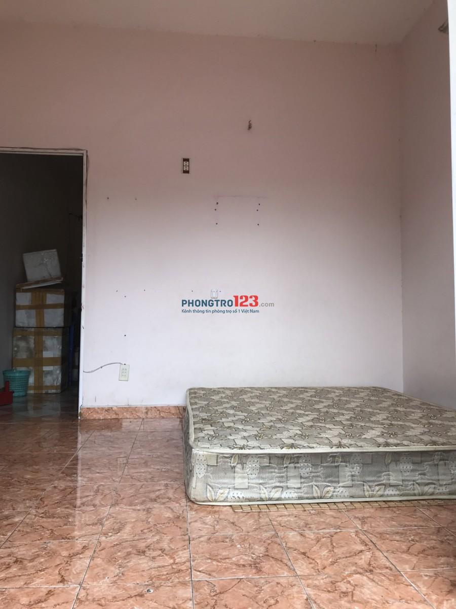 Cho Thuê nhà ở gần sân bay, đường Thăng Long, DT 25m2