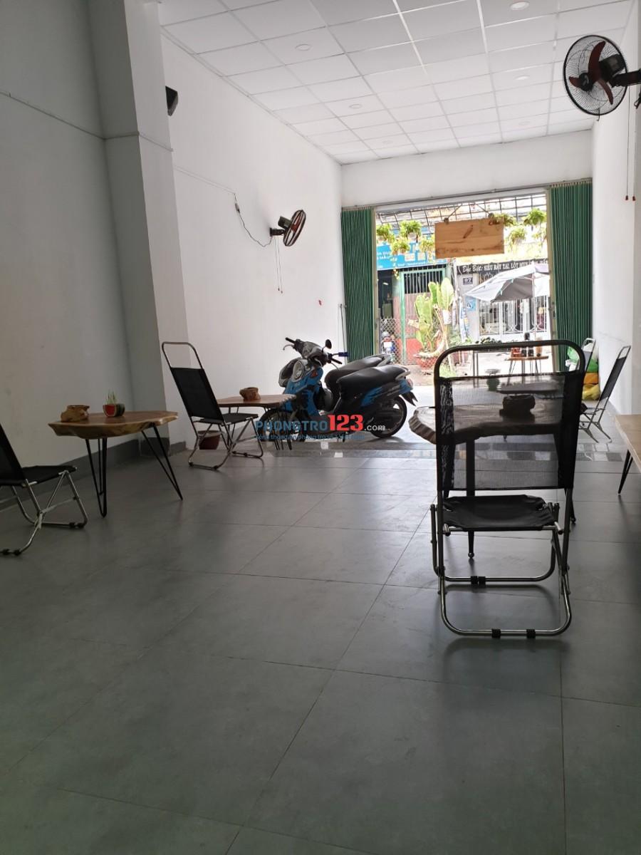 Cần sang quán cafe mặt tiền Huỳnh Văn Nghệ, Q.Tân Bình, giá 20tr. LH: Ms Minh 0906463716