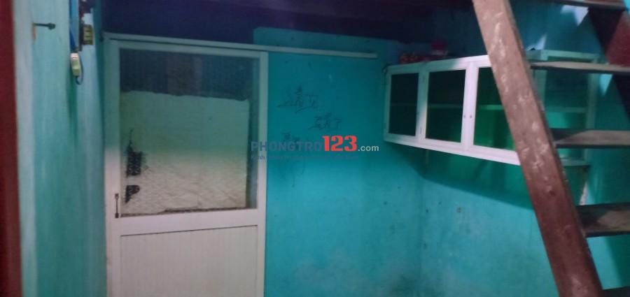 Phòng trọ giá rẻ kênh Tân Hóa (đường Hòa Bình)