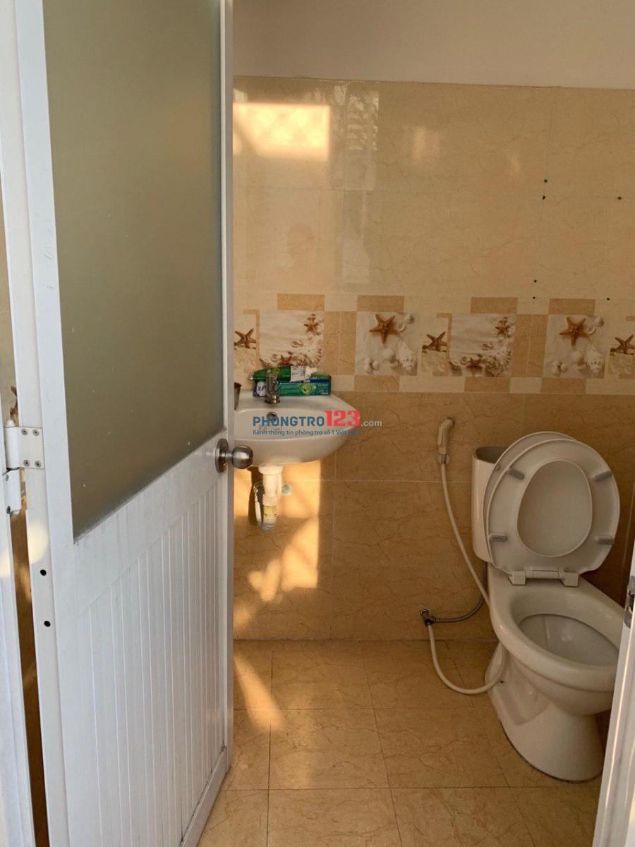 Cho Nữ Thuê, có ban công, WC riêng, 50m2