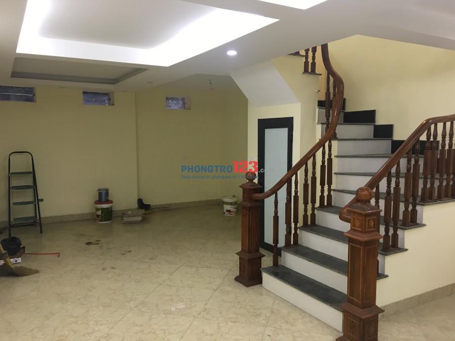 Cho thuê biệt thự liền kề Gia Quất, Long Biên, 50m2, giá 20tr/1 tháng. LH:0968585096