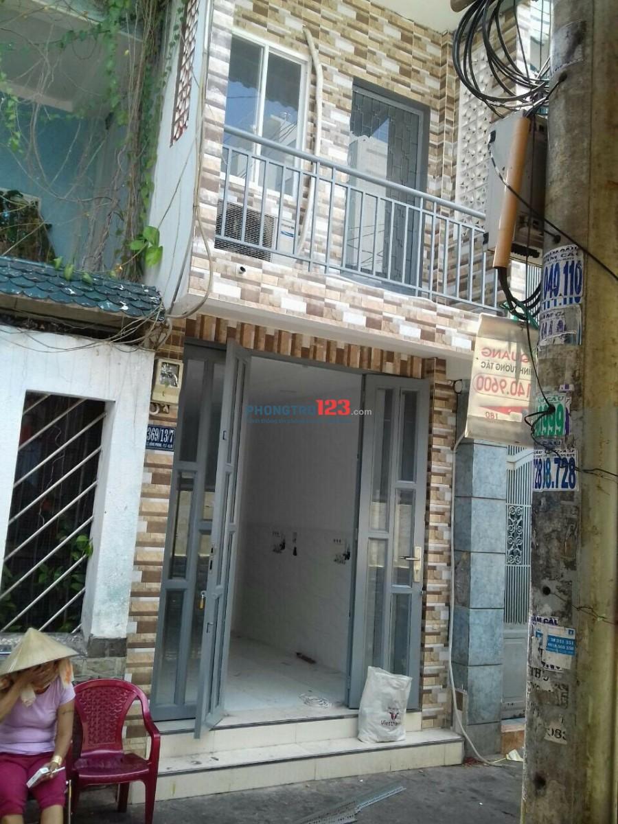 Chính chủ cho thuê nhà nguyên căn 1 trệt-1 Lầu-2PN-2WC, Giá 9tr tại Đường Lê Hồng Phong, ngay trung Tâm Q.10