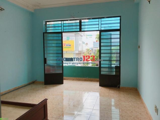 Cho thuê phòng 35m2 Full nội thất căn bản mặt tiền Độc Lập, Q.Tân Phú, giá từ 3,5tr/tháng