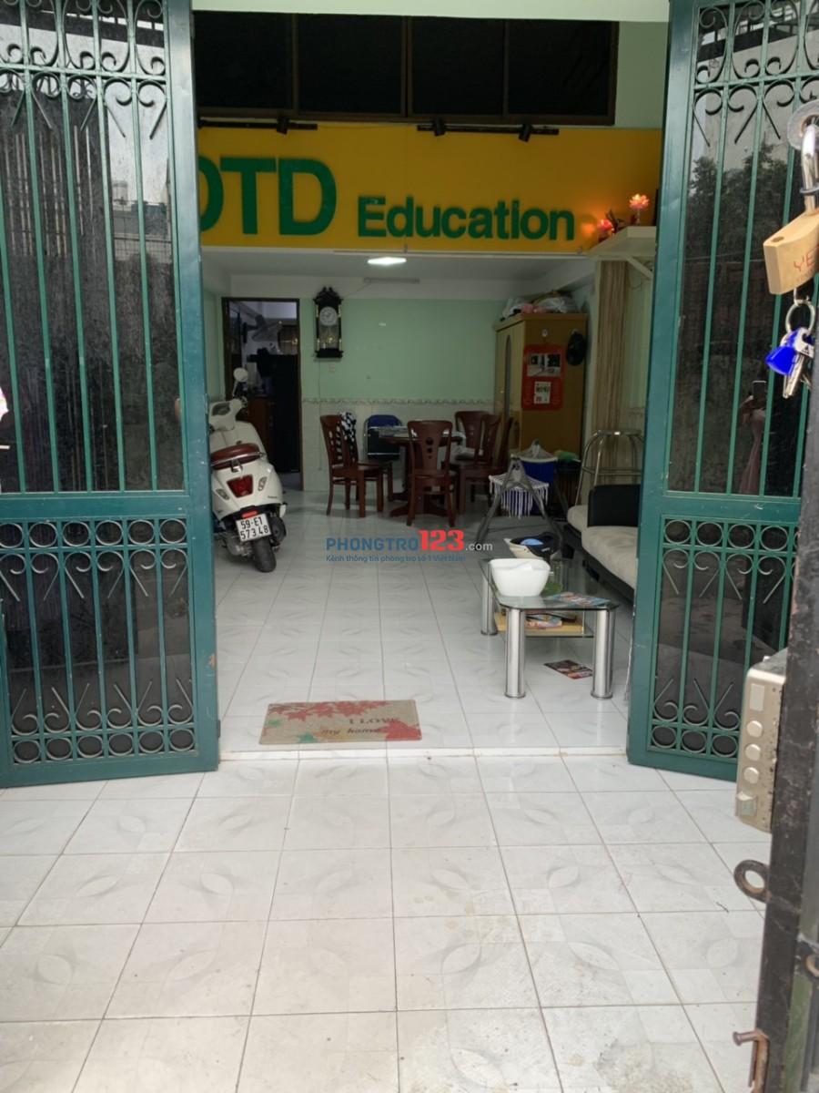 Cho thuê mặt bằng 4x10m ngay Thích Quảng Đức, Phú Nhuận, giá 4,5tr/tháng. LH: Ms Oanh