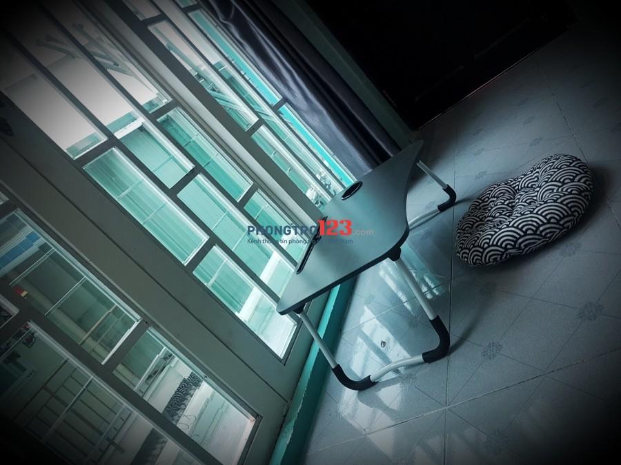 Cho thuê phòng full nội thất Ngay đường Nguyễn Trãi, Q.5, giá 4,5tr/tháng. LH: Ms Thư 0902844838