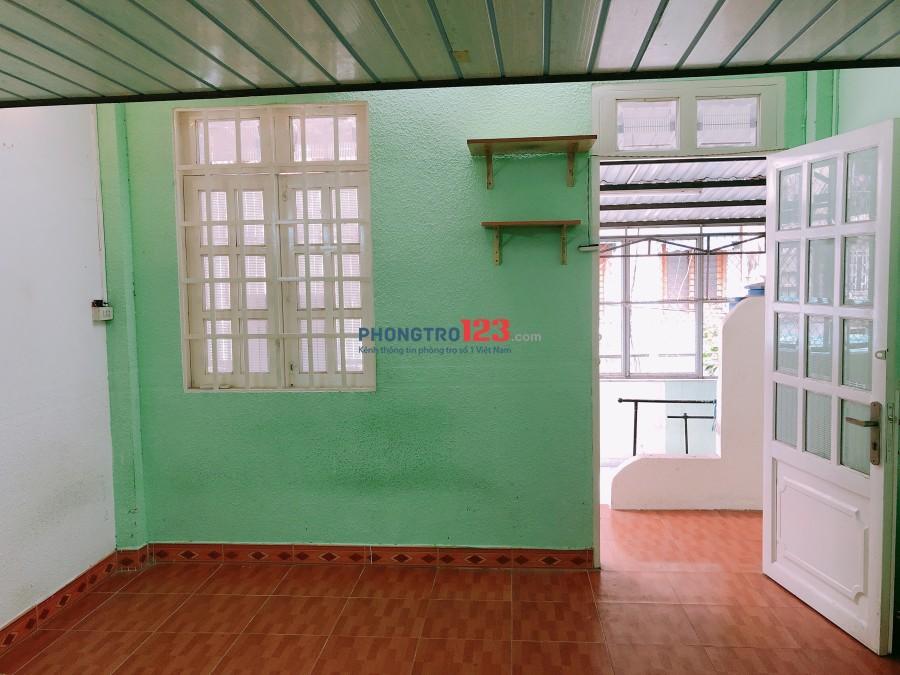 Cho thuê căn hộ Trần Quốc Toản, Q.3, dt 50m2, có 2pn, giá 7tr/tháng. LH: Ms Giang 0902958454