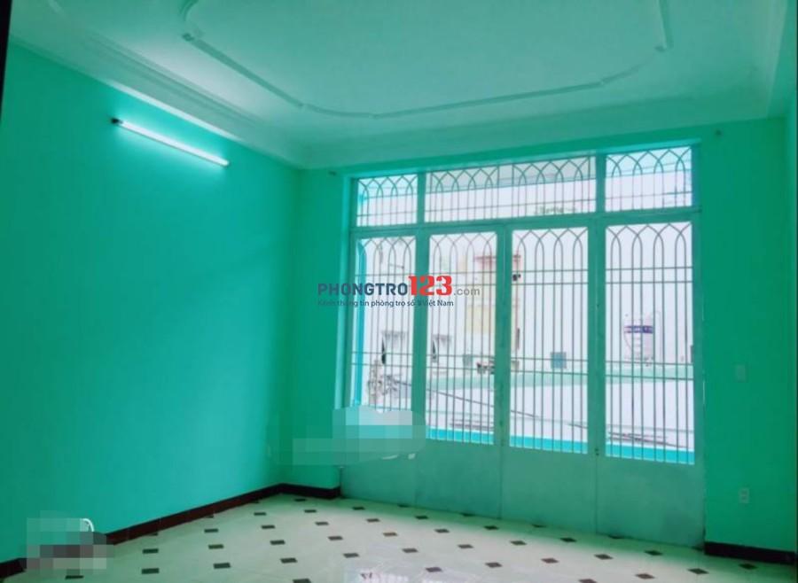 Cho thuê nhà nguyên căn 1 lầu, 180m2, 4pn hẻm 6m tại Phan Huy Ích, Q.Gò Vấp. LH: Mr Vinh