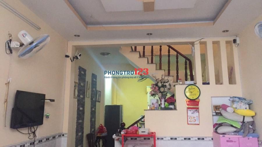 Cho thuê nhà 1 lầu 2pn có máy lạnh tại Lê Văn Lương, Nhà Bè, giá 8,5tr/tháng. LH Ms Thanh