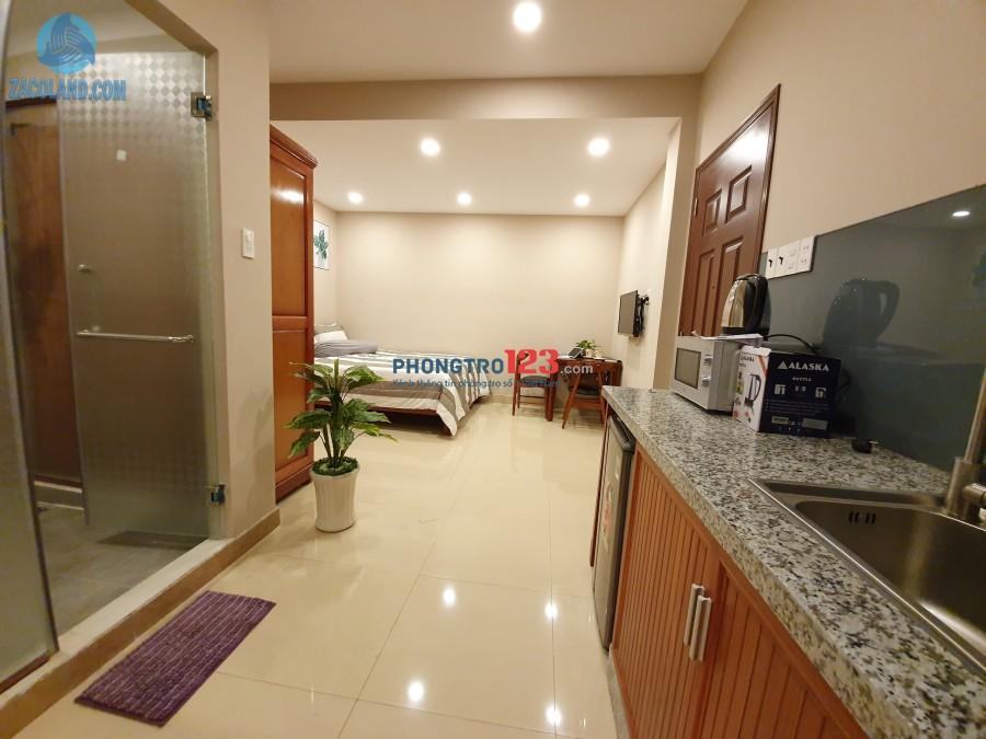 Phòng full nội thất gỗ cao cấp ngay Thành Thái, Q.10, giá từ 6,5tr