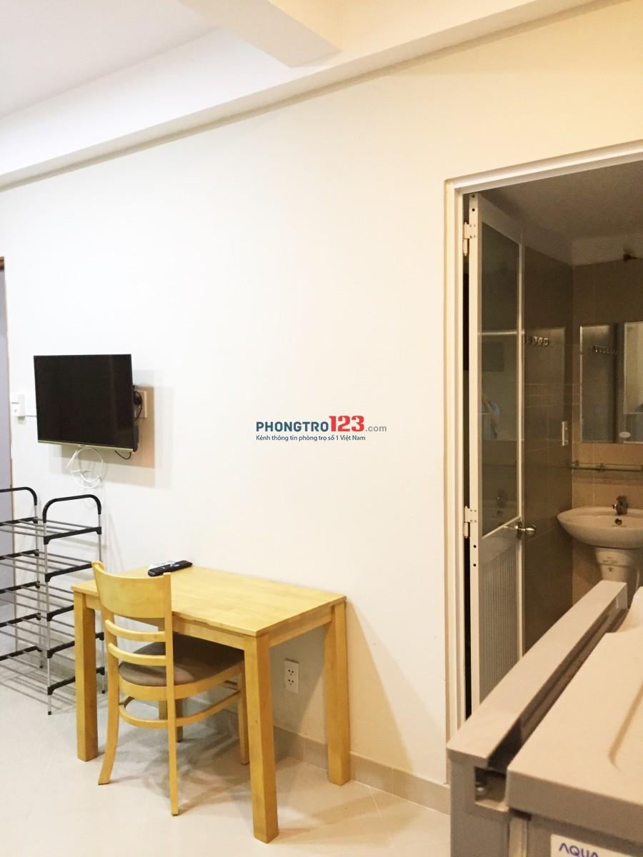 Căn hộ mini nội thất mới cực đẹp, có cả cửa sổ, giếng trời ngay Vòng xoay Dân Chủ