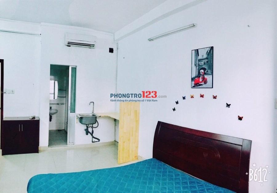 Phòng 30m2 có nội thất, cửa sổ lớn Lý Chính Thắng, quận 3