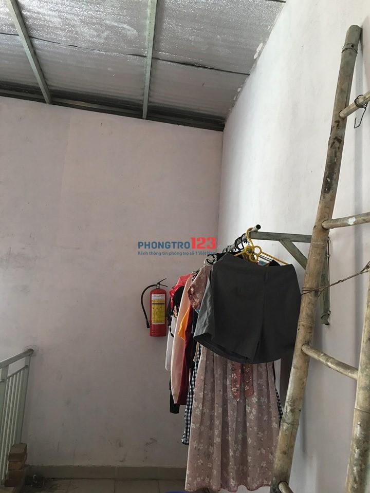 Tìm bạn nữ ở ghép (dọn vào ở ngay) để share tiền phòng 1/12 Văn Cao- Tân Phú