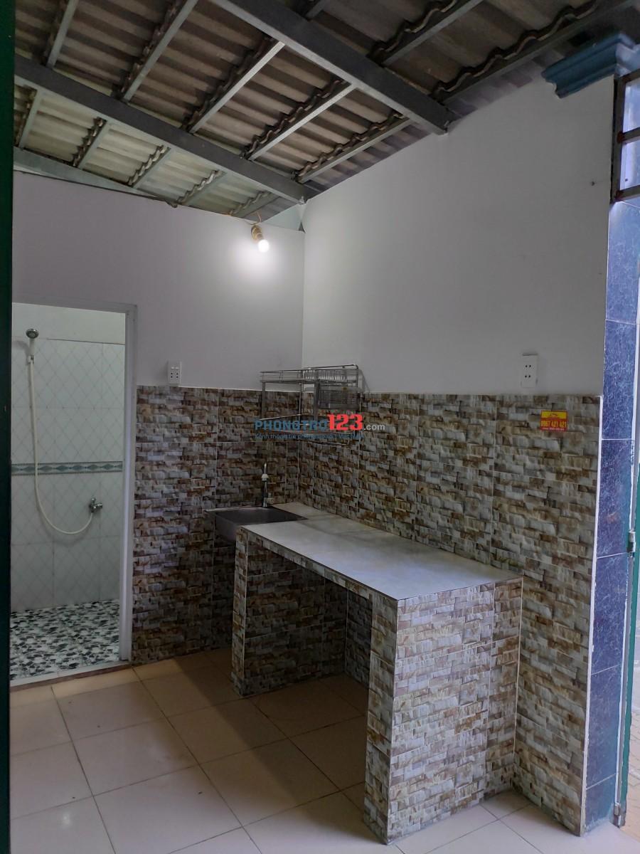 Phòng ở kế UB Q9, 35m2, 2 mặt tiền, đường nhựa 8m.