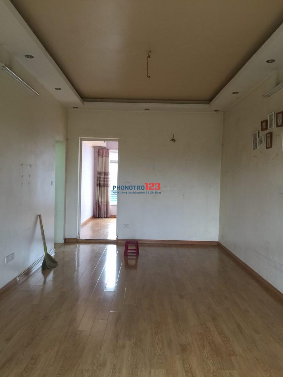 Cho thuê nhà tập thể tầng 4 mặt đường Kim Mã