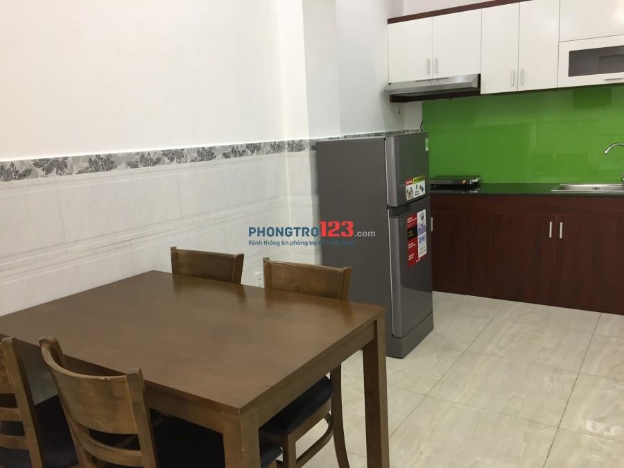 Phòng rộng 28m2 có ban công đầy đủ nội thất cao cấp tại Đoàn Văn Bơ, Q.4, giá chỉ 7triệu