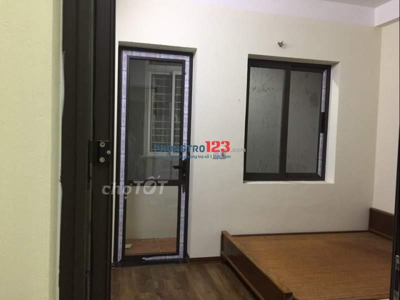 Phòng đẹp 18m2 có điều hoà ở Xuân La, vệ sinh xịn