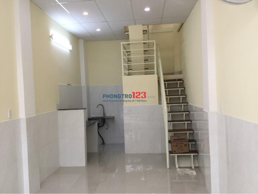 Cho thuê nhà nguyên căn - Hẻm Ốc Đào, Nguyễn Trãi, Q.1