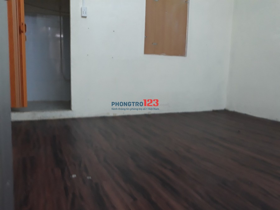 Nhà nở hậu HXT 8m, 702/22 Điện Biên Phủ, Quận 10 4x16 trệt + 2 lầu 4PN + 2WC giá 19tr/th