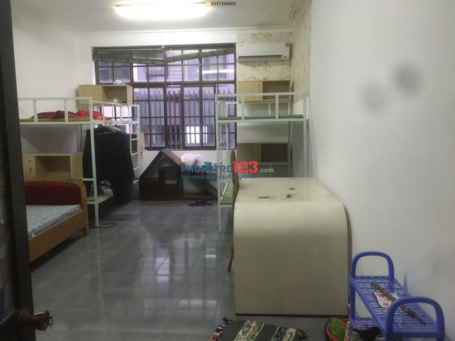 Phòng Full đồ điều hoà, tủ lạnh máy giặt. Không chung chủ, giờ tự do