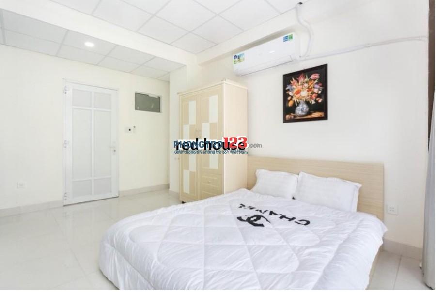 Phòng ban công, 30m2 đầy đủ tiện nghi Huỳnh Văn Bánh, Q.Phú Nhuận, giá chỉ 5,5tr/th