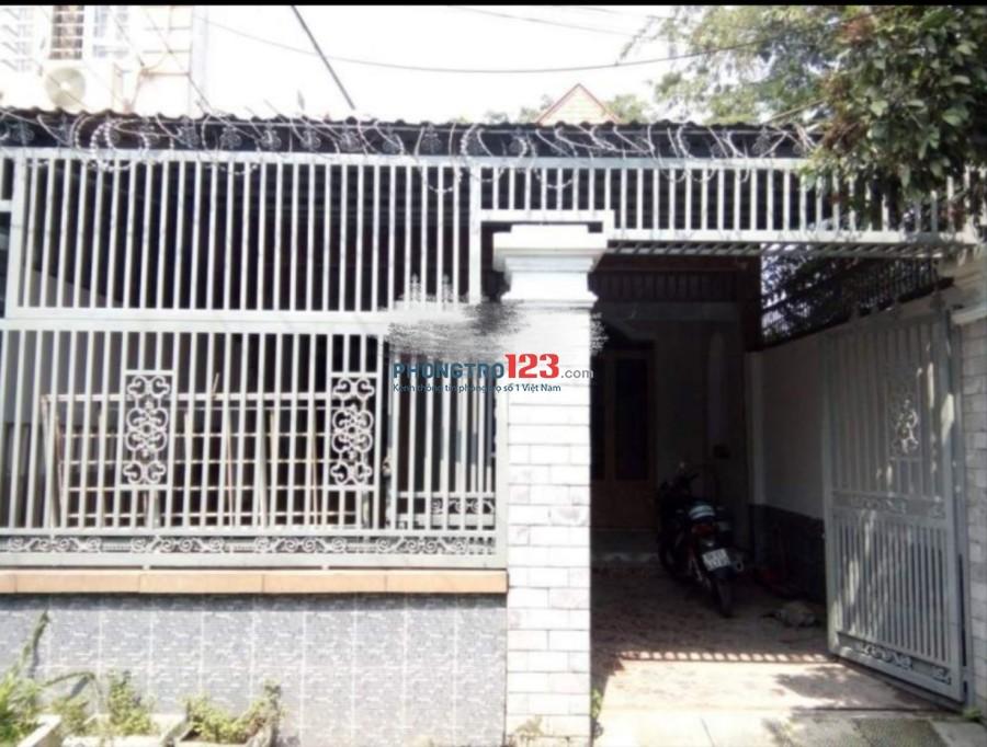 Cho thuê nhà 170m2 hẻm xe hơi tại Đông Thạnh 3 gần chợ Đông Thạnh, Hóc Môn. Giá 7,5tr/tháng