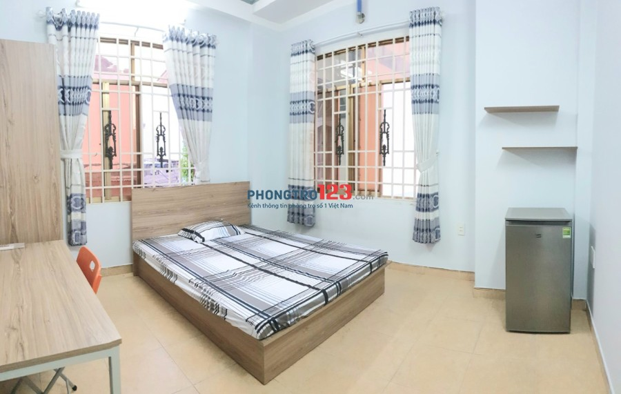 Phòng trọ 30m2 Nguyễn Văn Đậu, Phú Nhuận + Ban công, cửa sổ + full nội thất + ở được 3-4 người