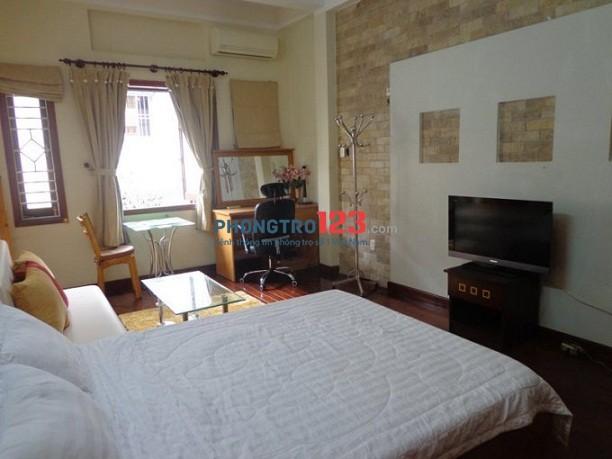 Phòng đẹp, lớn 45m2 cho thuê, đầy đủ tiện nghi, gồm 1PN,1PK,1PB Ung Văn Khiêm, giá chỉ 8tr/th.