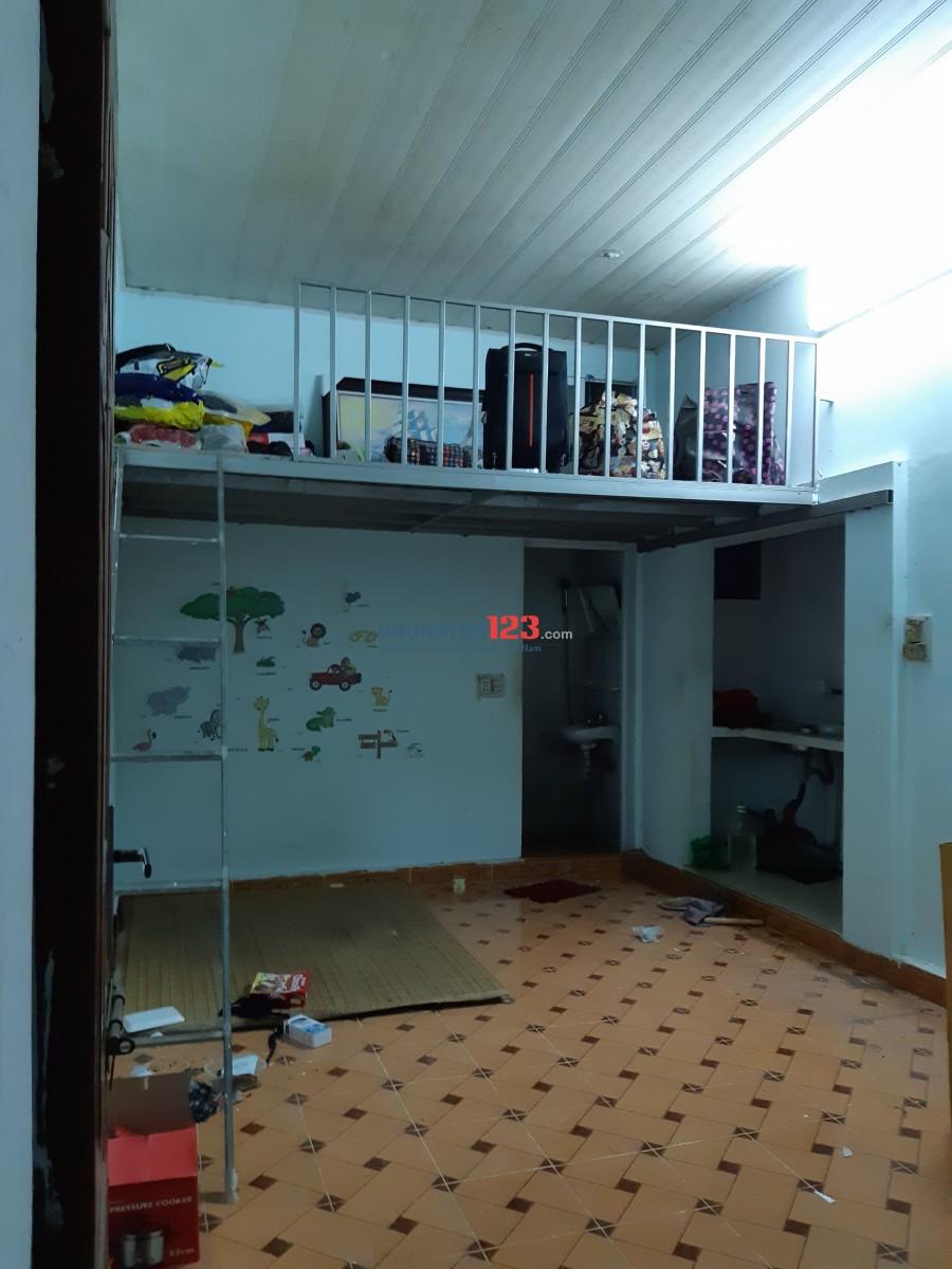 Phòng trọ 50m gần CV Hòa Bình (2 phòng ngủ+2 phòng tắm/nhà vệ sinh+phòng ăn/bếp),3 triệu,điện-nước giá nhà nước