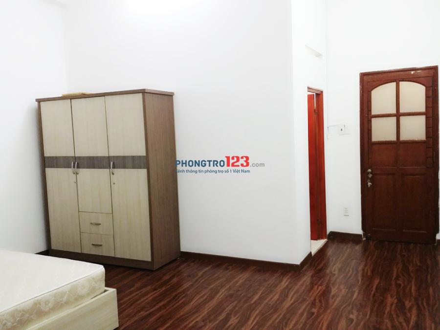 Phòng full nội thất siêu rộng 4.3tr/tháng