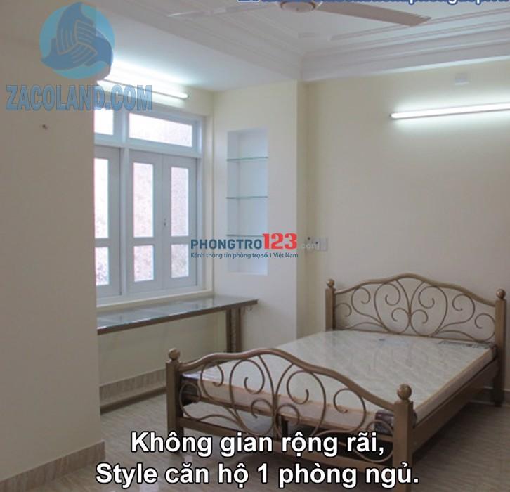 Phòng cho thuê full nội thất Quận 1, có bếp, ban công thoáng mát, gần công viên Lê Văn Tám