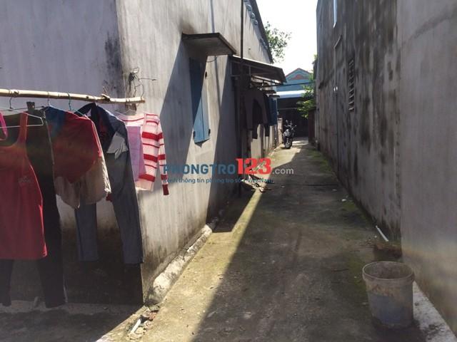 Cho thuê nhà trọ nguyên căn số 21C mặt tiền Huỳnh Văn Cọ TT Củ Chi, giá 2 triệu 500 /1 tháng