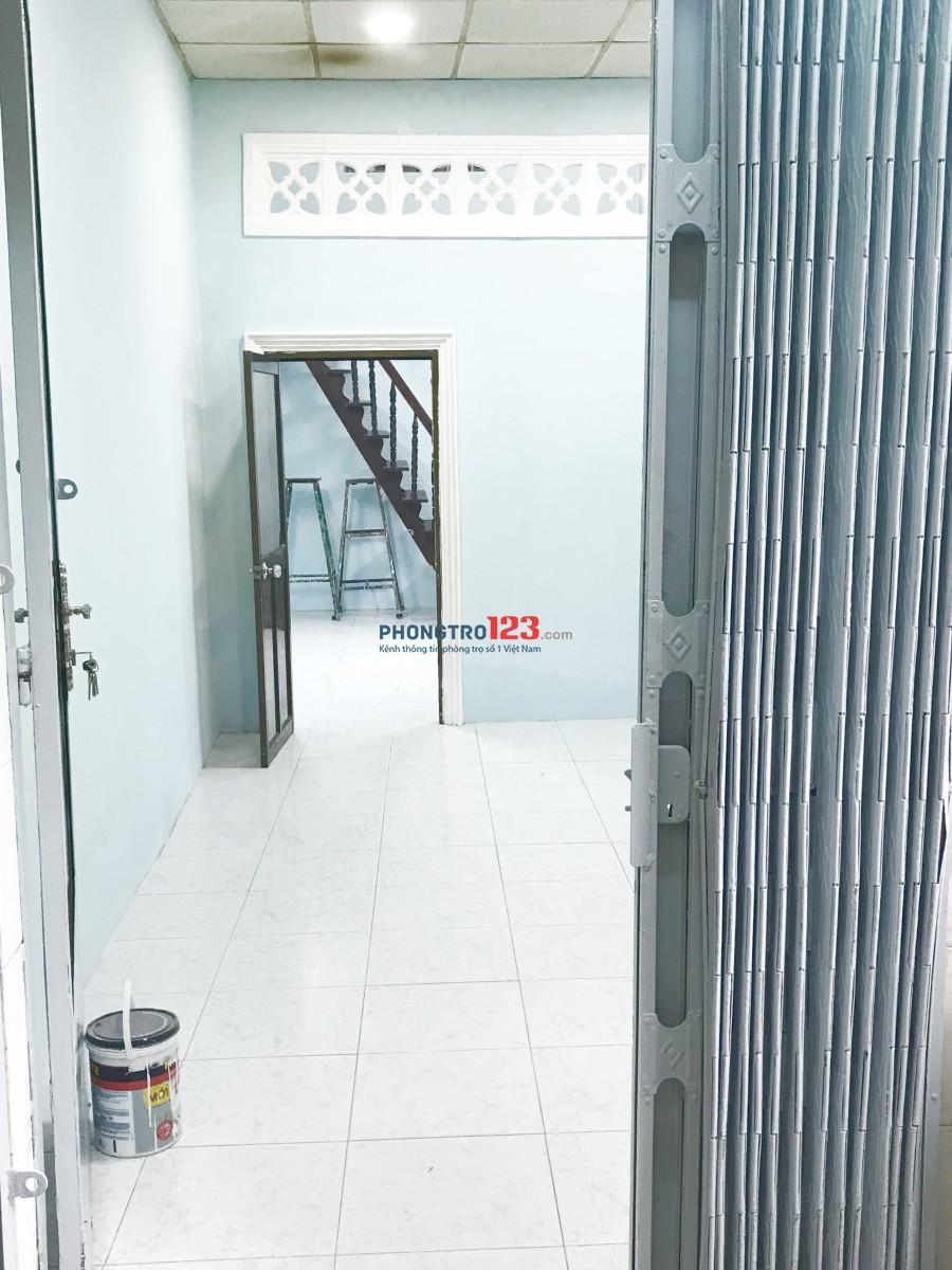 [Quận 4] Cho thuê nhà nguyên căn - gần trung tâm Q1