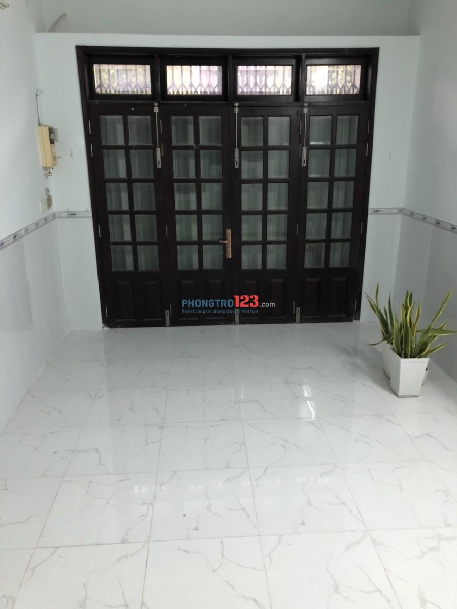 Chính chủ cho thuê nhà nguyên căn 2 lầu mặt tiền đường 76, P.10, Q.6. Giá 15tr/tháng Mr Hùng