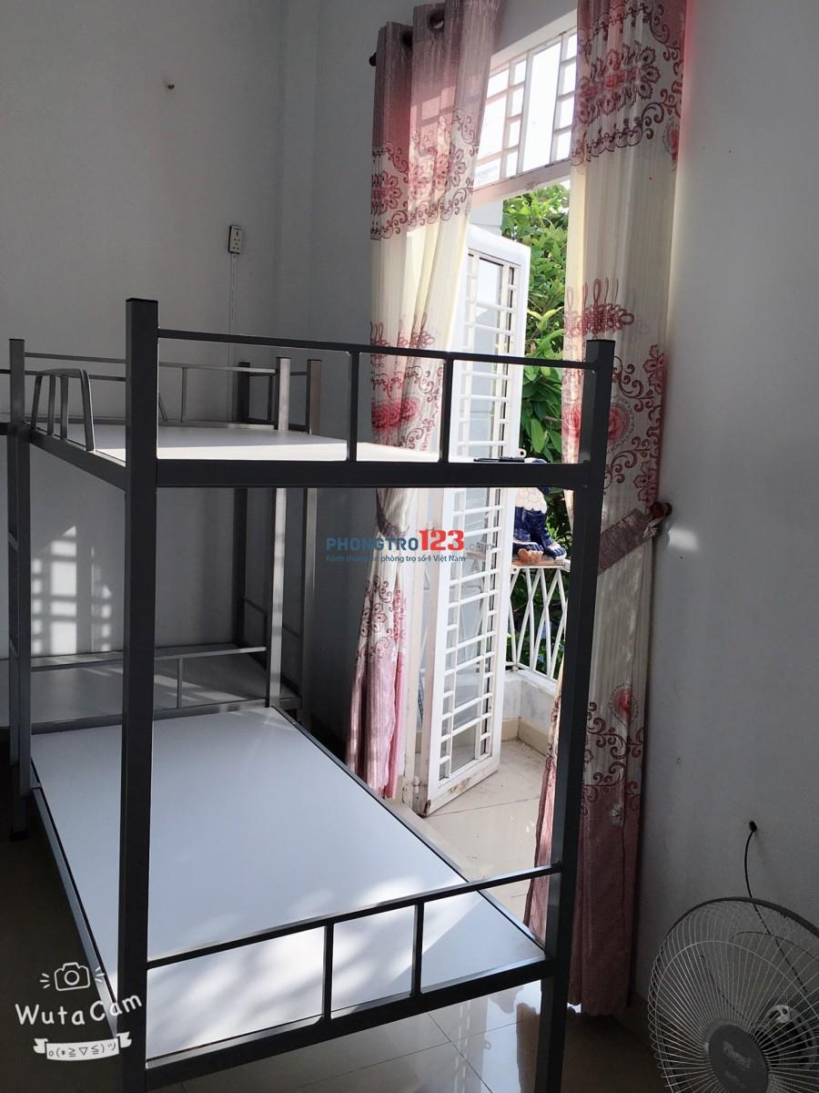 Cần bạn nữ ở ghép biệt thự Huỳnh Tấn Phát chỉ 650k