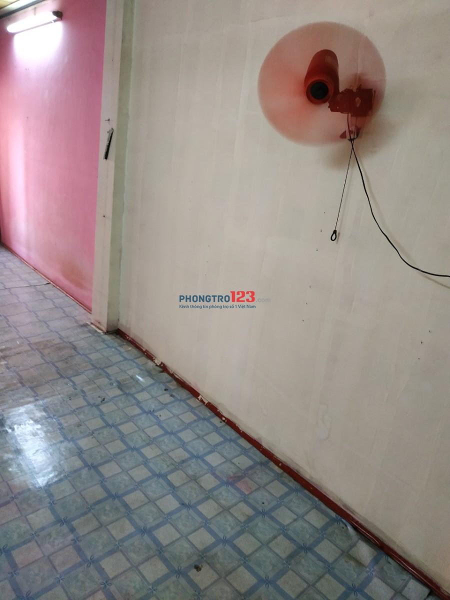 Cho thuê nhà mặt tiền 602 CMT8, P.11, Q.3 đối diện CV Lê Thị Riêng. LH Mr Ngọc 0785685660