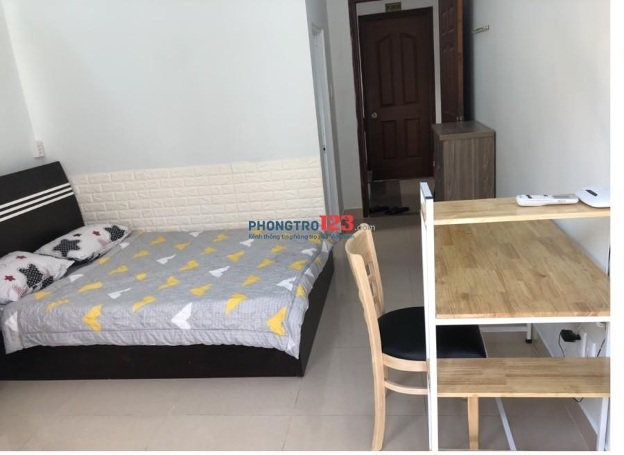 Cho thuê căn hộ mini full tiện nghi ở Nguyễn Văn Thủ, Đa Kao. Có ban công