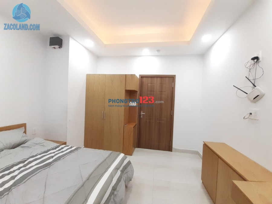 Căn hộ full nội thất, bảo vệ 24/24, mặt tiền đường Phùng Văn Cung, Phú Nhuận