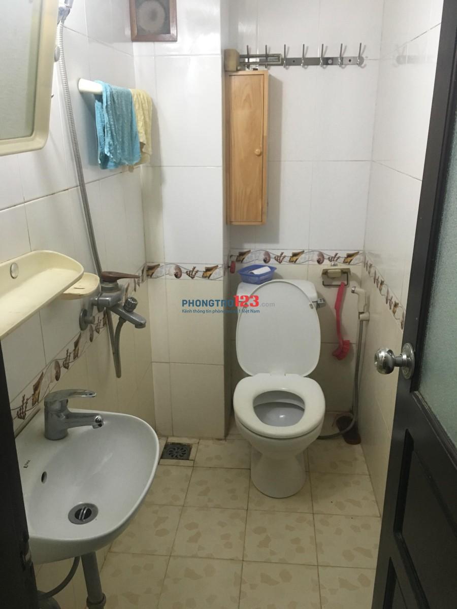 Cho thuê nhà nguyên căn 3 phòng ngủ phố Nguyên Hồng, Đống Đa
