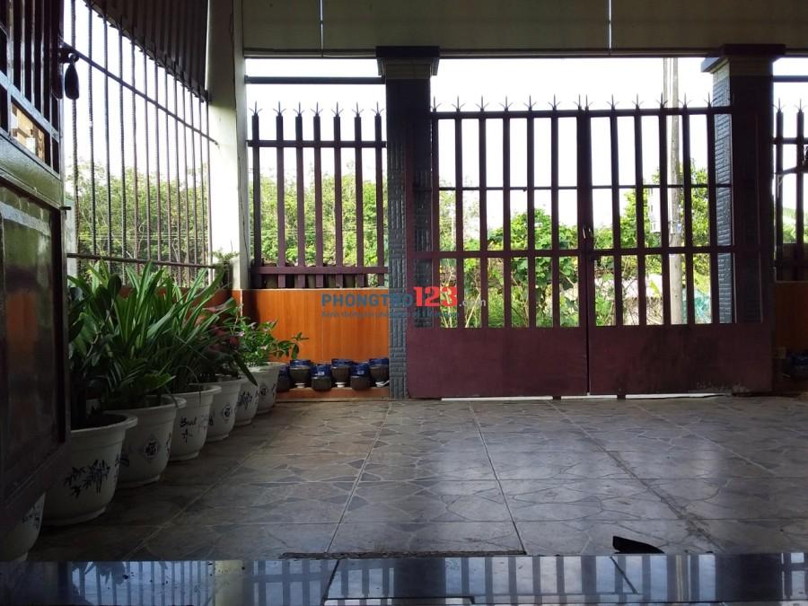 Cho thuê nhà sạch đẹp, giáp ngay khu công nghiệp Giang Điền