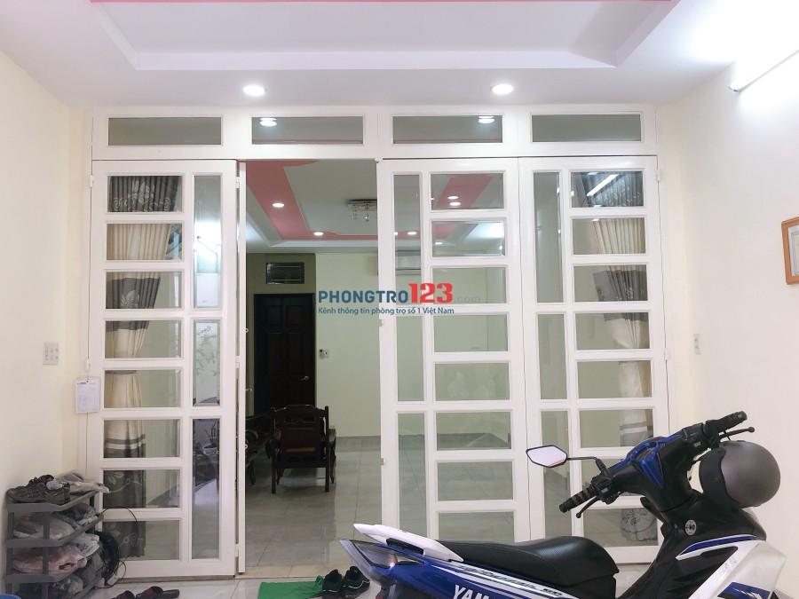 Cho thuê mặt bằng mới 4,2x13m tại Nguyễn Kim, P.6, Q.10. Giá 12tr/tháng, LH Cô Sáu
